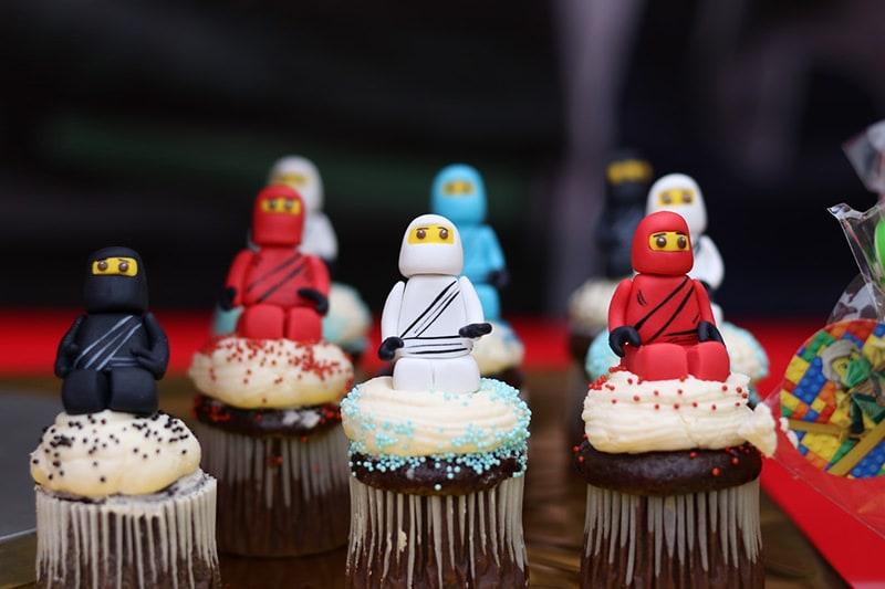 lego wedding favour figurines